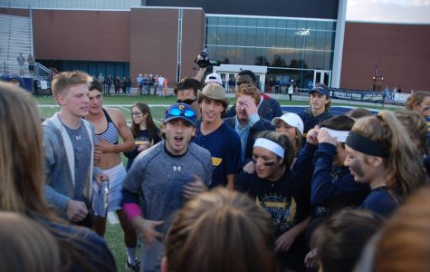 Seniors crush juniors at Powder Puff game