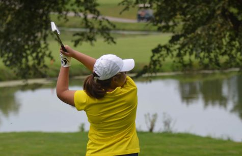 Girls golf faces chilly temperatures and strong winds on the course during last tournament