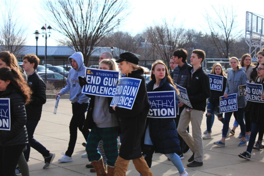 Students walk out to end gun violence