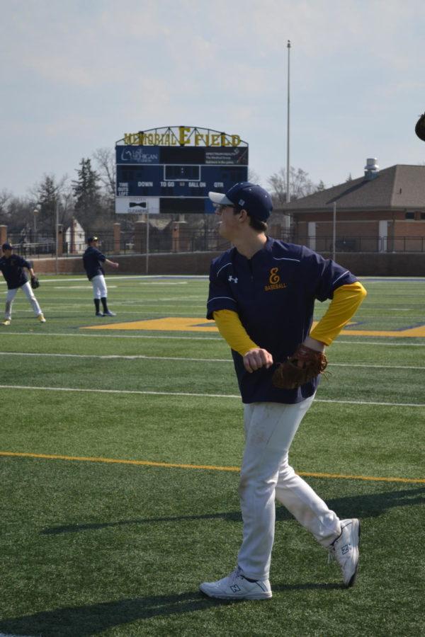 Ben+Biermacher+%2719+practices+his+throw.