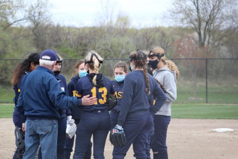 Softball team looks to right the ship after rough start to their season